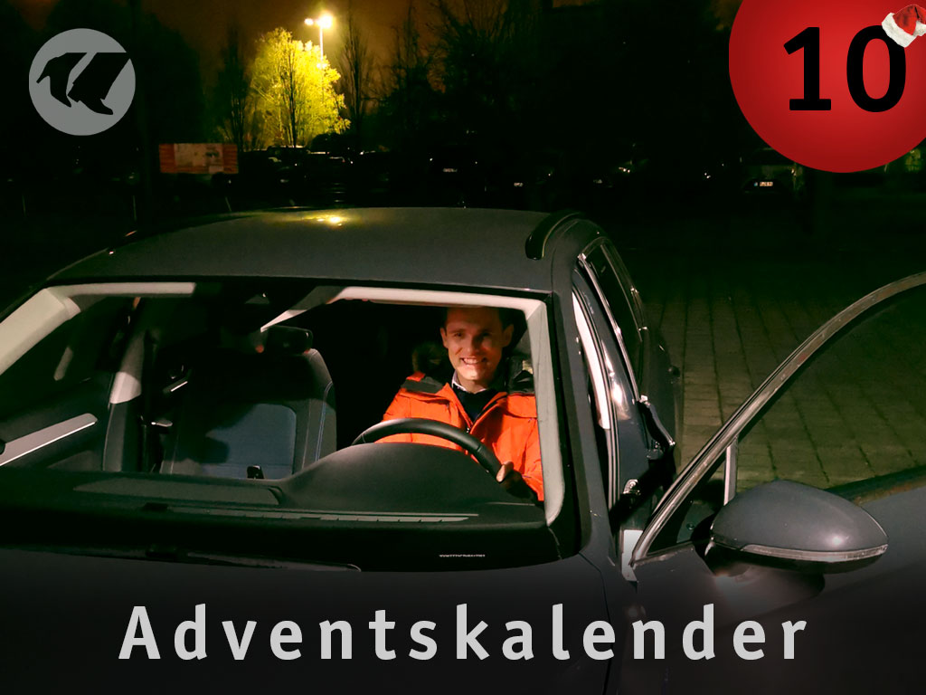 10. Advent: Dennis im Auto
